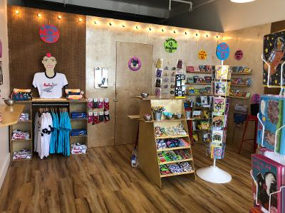 Sunde White's new gift shop is open in Pacifica 164 Eureka sq 94044